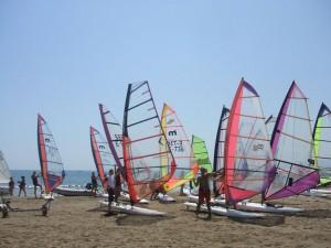 Raceboard con Seasurf Patrol Windsurfing escuela